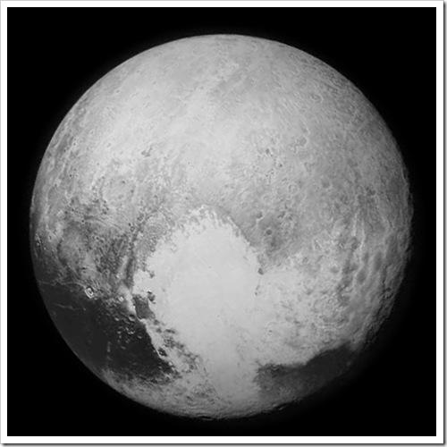 NH-Pluto-bw-NewHorizons-20150713a